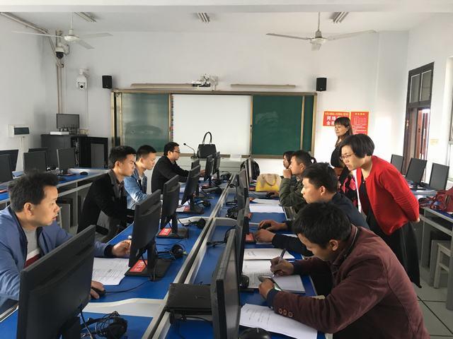 刘小平老师为学员平台电子商务平台操作作专项指导4.JPG